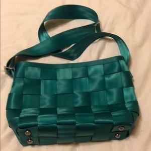 Harvey's seatbelt bag. Messenger in emerald.